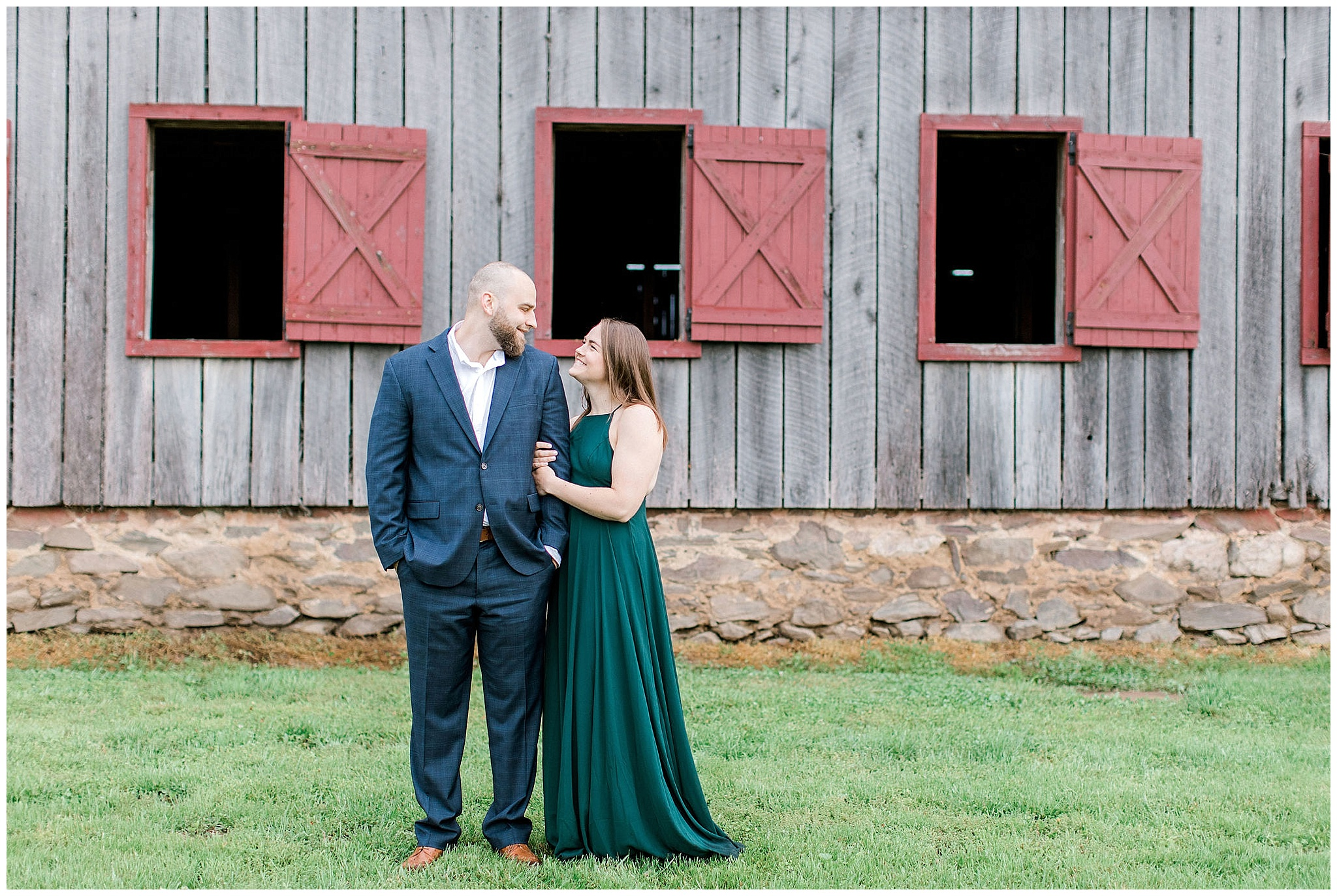engagement photo at sylvandside farm in loudon county virginia, sylvanside farm, slyvanside farm wedding, slyvanside farm engagement, northern virginia wedding photographer, dc wedding photographer